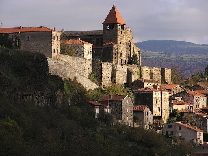 La Grande Maison at the river Allier and de Desges