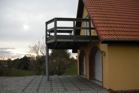 Hyggelig lejlighed på 120 m2 - Aalestrup
