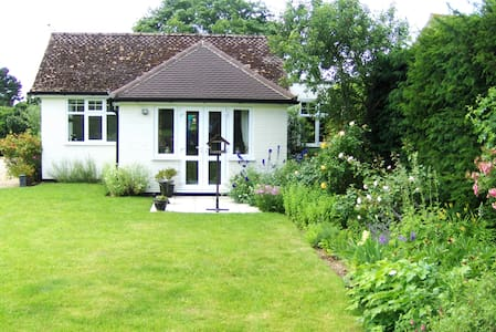 Pretty detached annexe in Suffolk - Hasketon Woodbridge