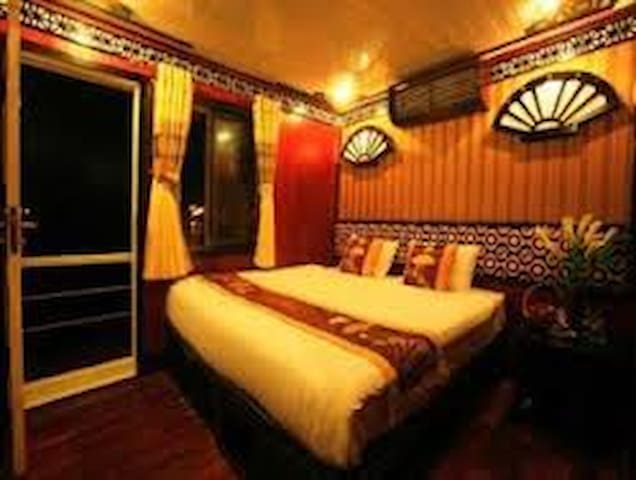V'Spirit Classic Cruises 3,5 Star - tp. Hạ Long - Barca