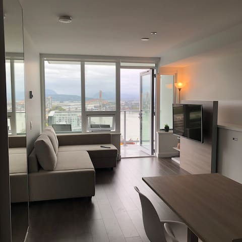 Brand New Waterfront Condo in New Westminster