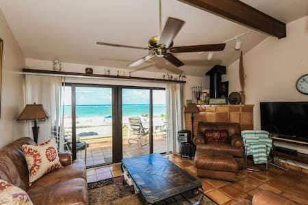 Beachfront Home on Siesta Beach with pool access