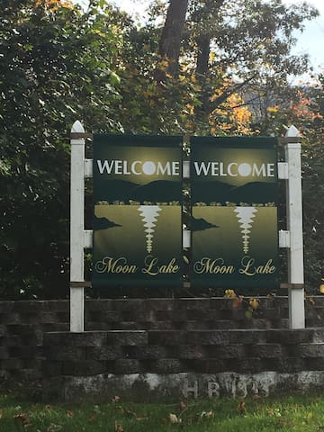 Welcome to Moon Lake!!!