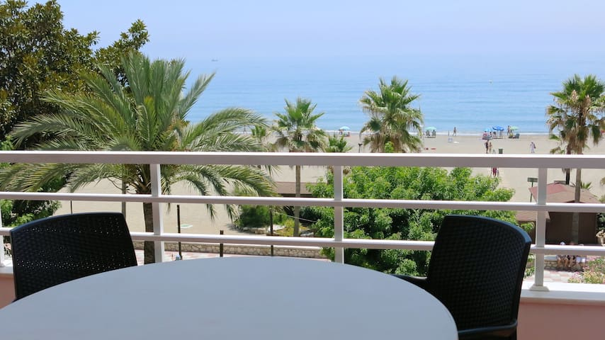 Great apartment to enjoy the beach - Estepona - Apartamento