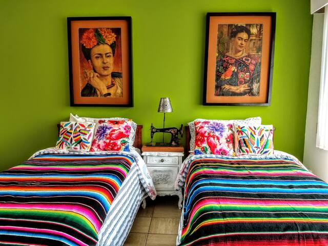 Frida Kahlo ,Colonia Republica