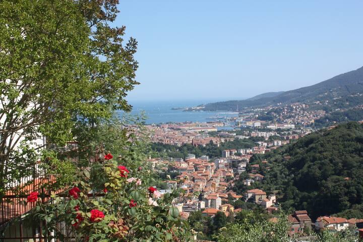 Vista stupenda sul Golfo dei Poeti - La Spezia - Hus