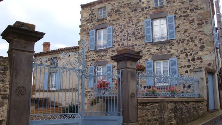 Ancienne maison vigneronne - Laps - House