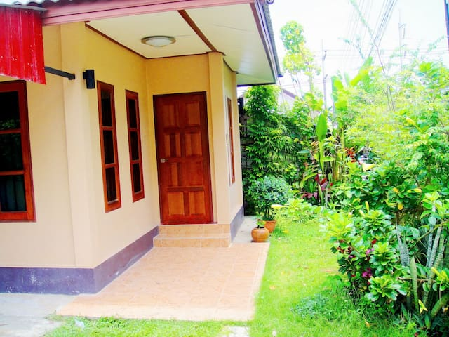 CC 5 Studio House, 1.5 km to Bangtao Beach. - Phuket Thailand - House