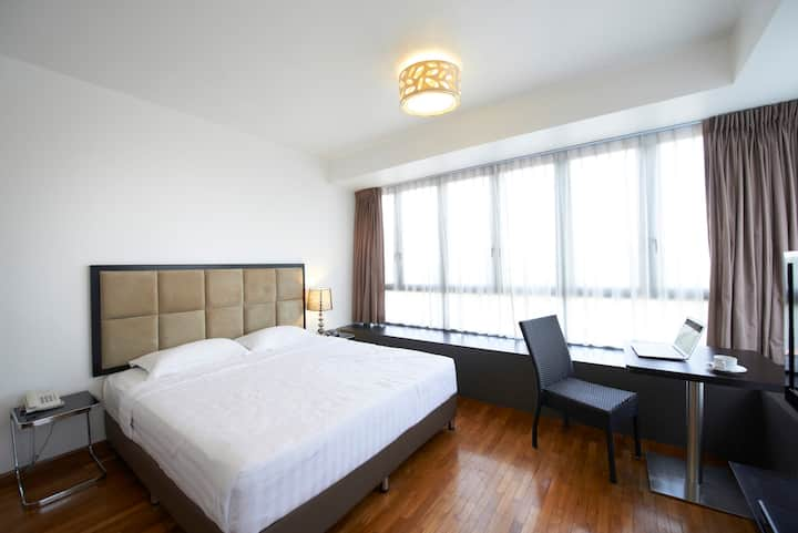 Chic4 - Serviced Apartment in the East