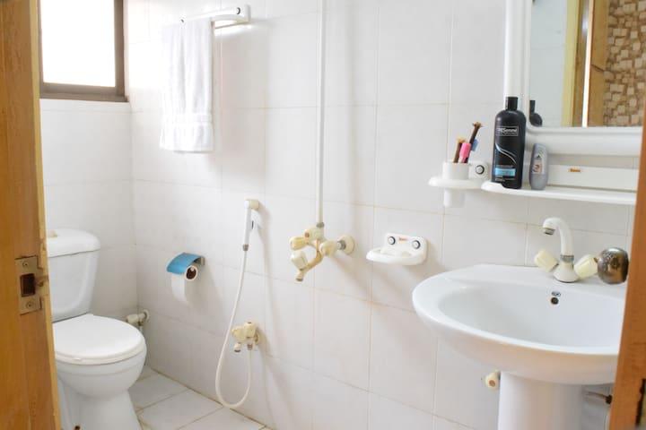 Bathroom-2: Florescent white!