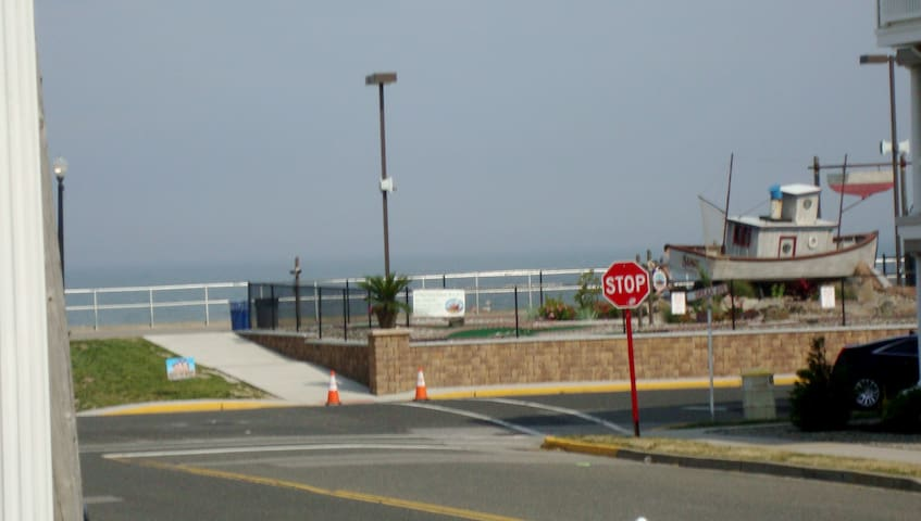 STEPS TO THE BEACH IN BRADLEY - Bradley Beach - Hus