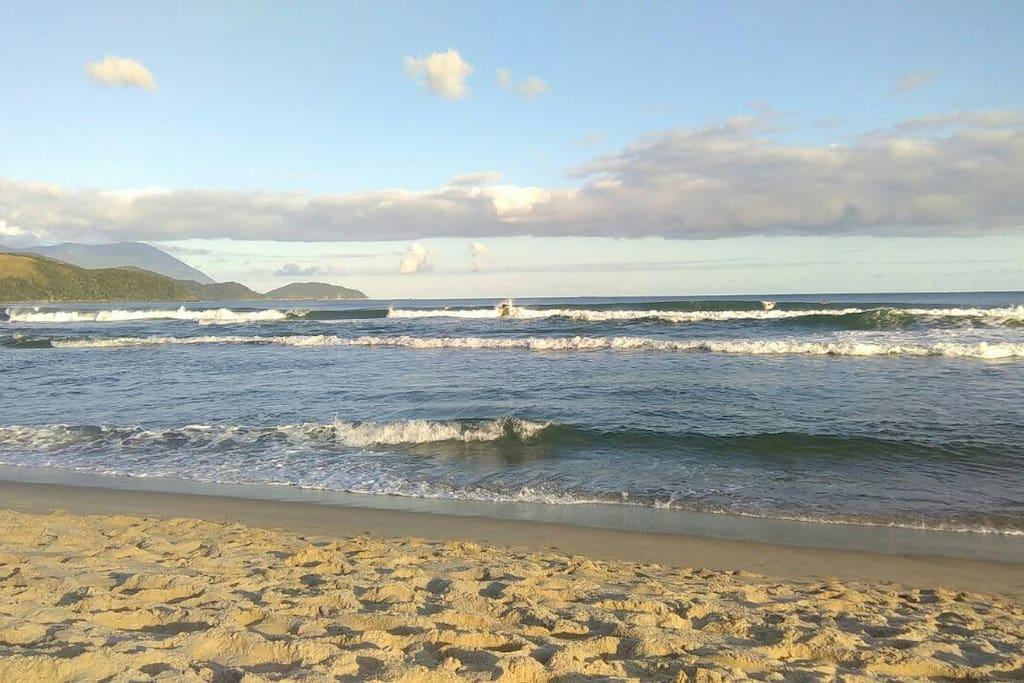 Maresias praia do campeão de surf mundial Gabriel Medina.