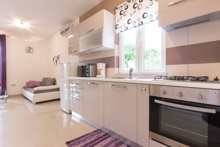 Apartment for 3+1 town Krk.