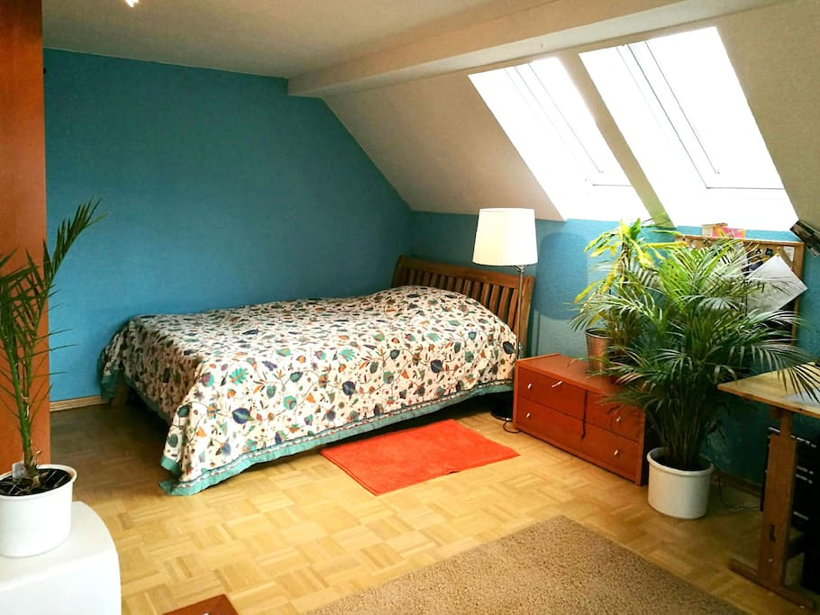 Cosy bed, wooden floor (oak)(140x200m)