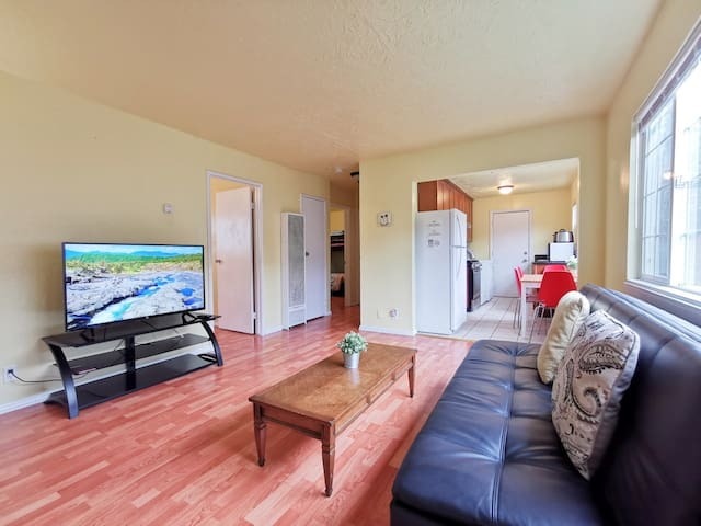 2626 Ground 2-Bedrooms near FW 580, 25 mins to SF