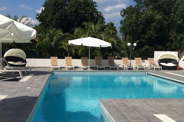 Accogliente casa vacanze con piscina a Moriani-Plage