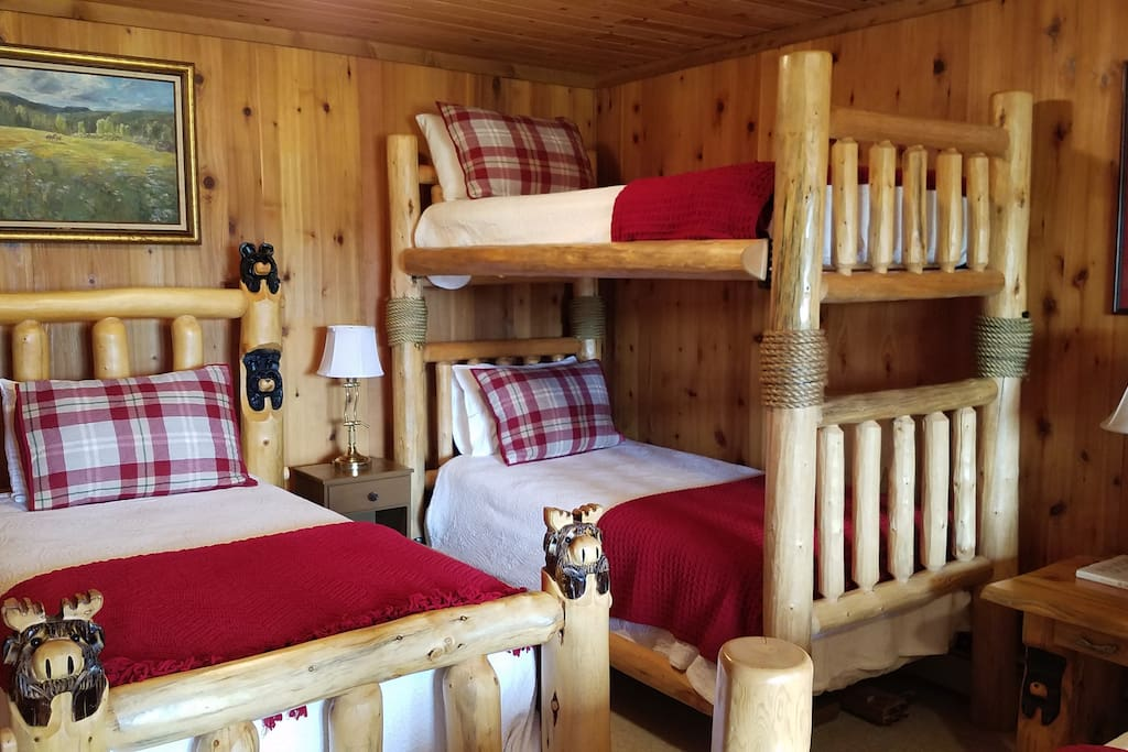 Bunk beds and single bed