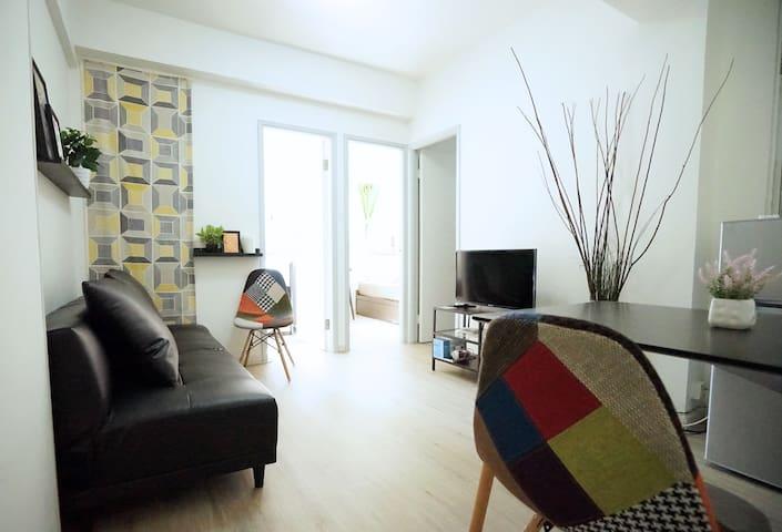 Stylish & Cozy 3 Bedroom next to Tsim Sha Tsui !!