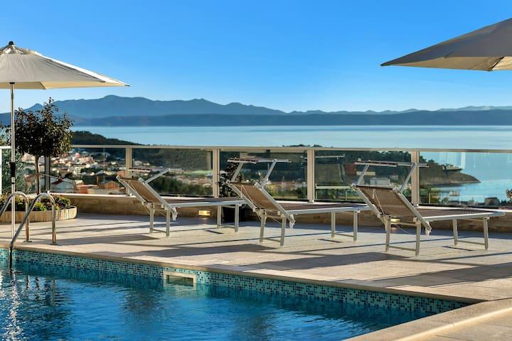 Villa Roki, Pool & Stunning Seaview
