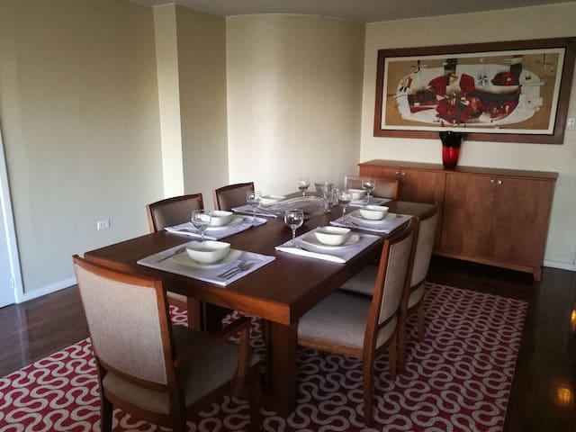 Apartamento, 12 de octubre a 50mts Swiss Hotel