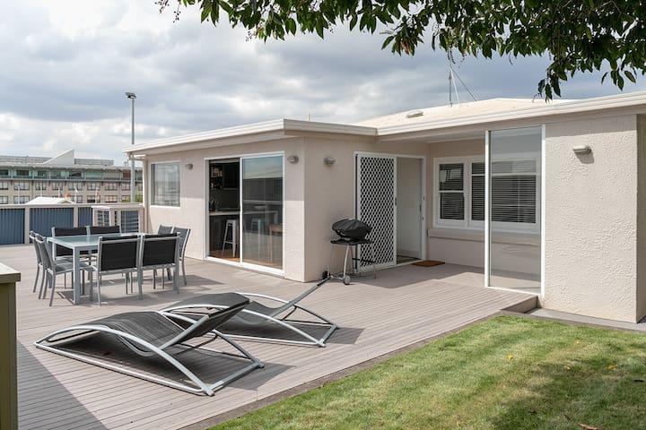 Open air rear deck