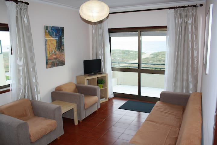 2Bedroom flat on excellent seafront - Azurara
