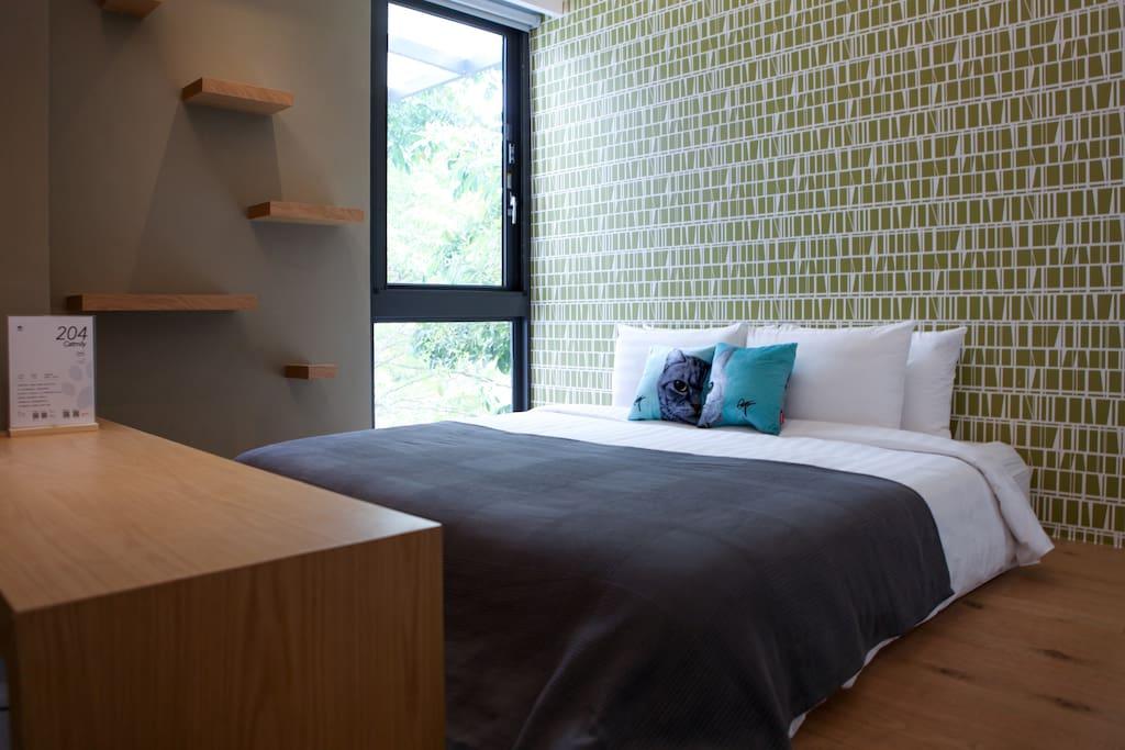這張是床在和室上方。