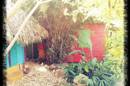Natural Mystic Cottages Jamaica - Jungle Shack