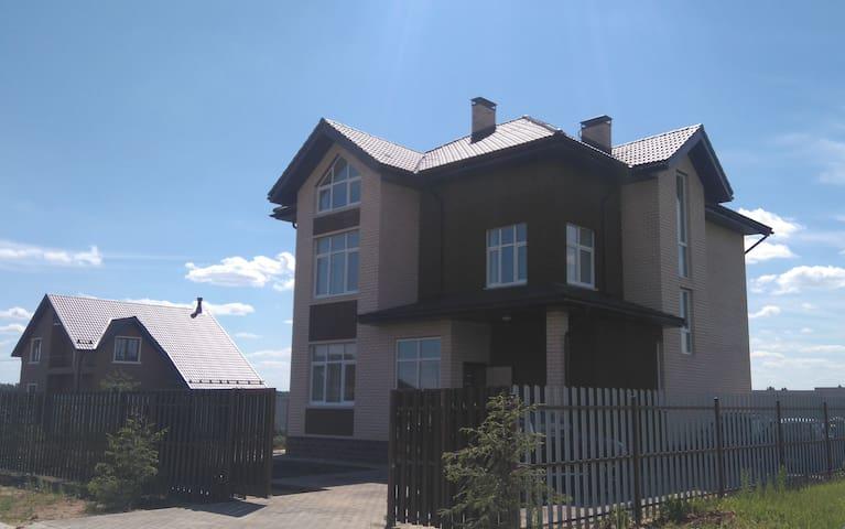 коттедж 300м, 15соток, Истринское вдхрн - Andreevskoye - Casa