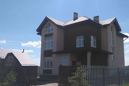коттедж 300м, 15соток, Истринское вдхрн - Andreevskoye - Hus