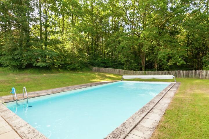 Mansión ideal en Aquitania con piscina