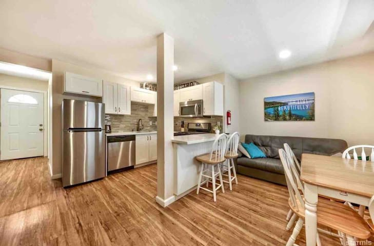 Two bedroom condo near Heavenly and Casinos