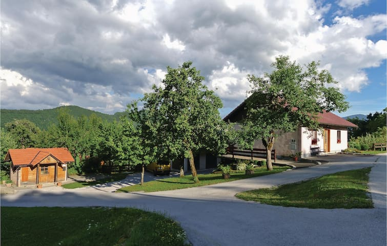 Holiday cottage with 4 bedrooms on 130m² in Kostel
