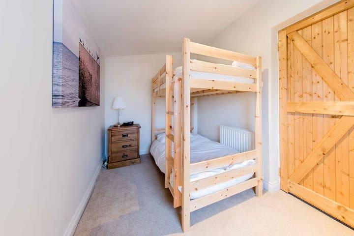 Deighton Lodge - Country Farmhouse - Sleeps 21 - York - House