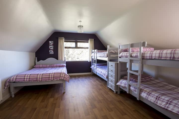 Lakeland House - Family Room for up to 7 persons Ensuite