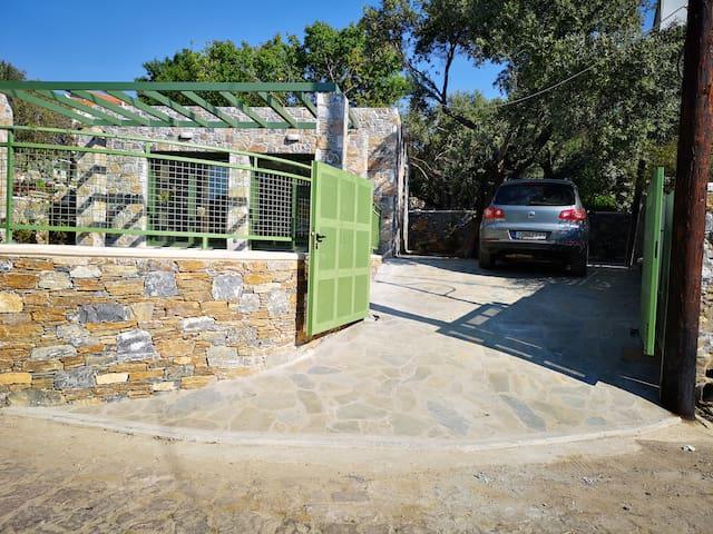 Ouzo Stone Studio in Agios Isidoros, Plomari.