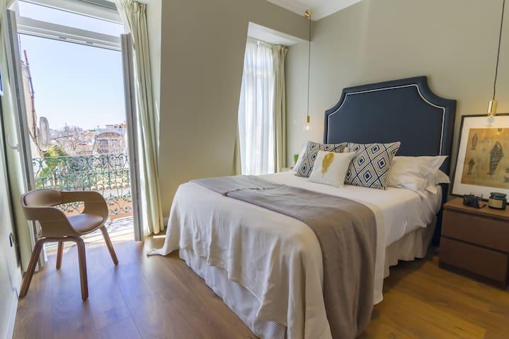 Bairro Alto Suites