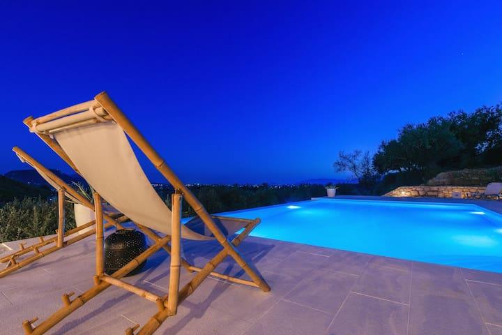 3 Bedroom Villa with Private Pool (Ville Du Coop)
