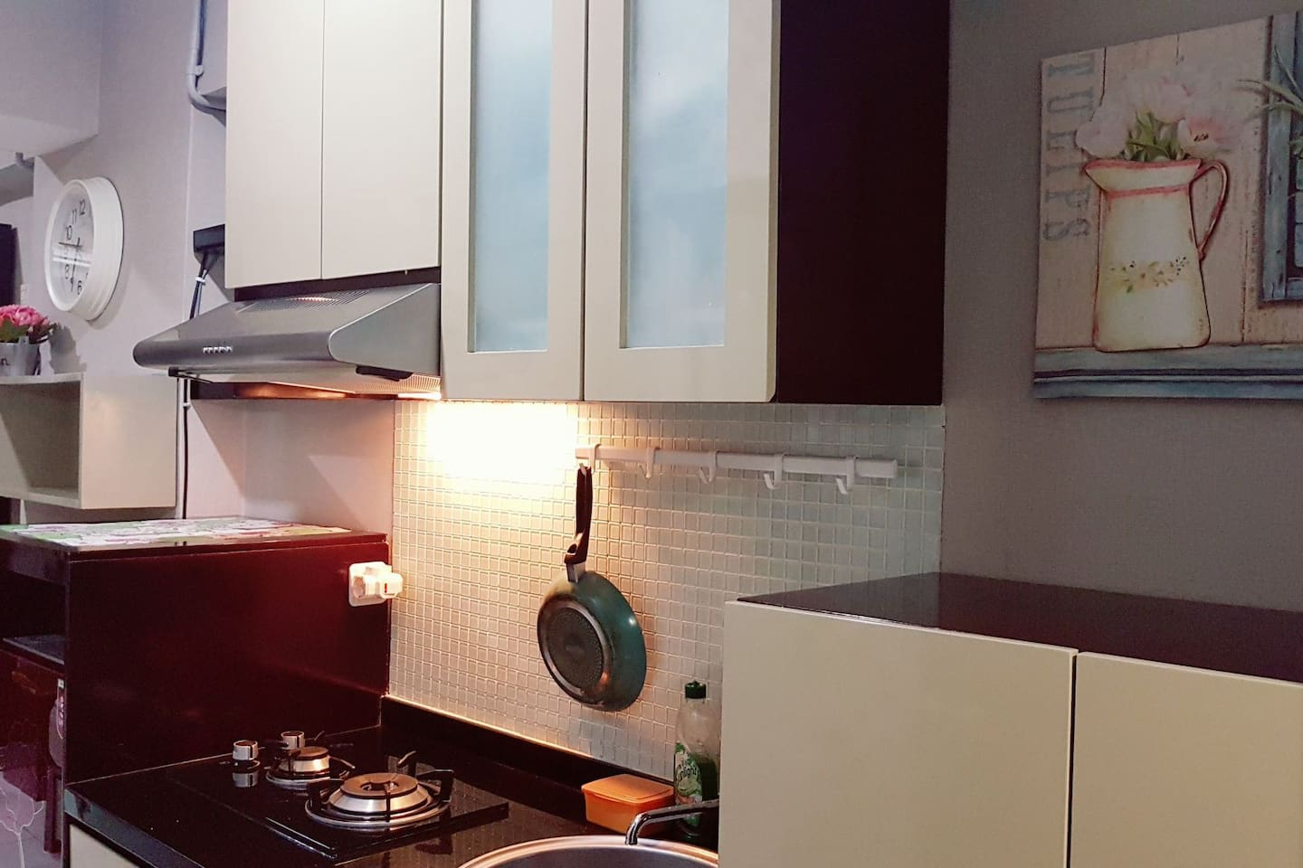 as a smart customer, you have all:  private kitchen, private bathroom, comfortable bed with reasonable price.