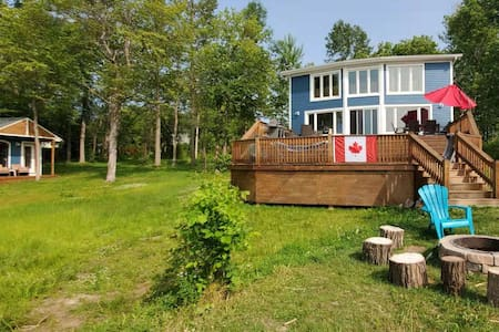 🏡Waterfront Cottage retreat– 1 hour from Toronto⭐
