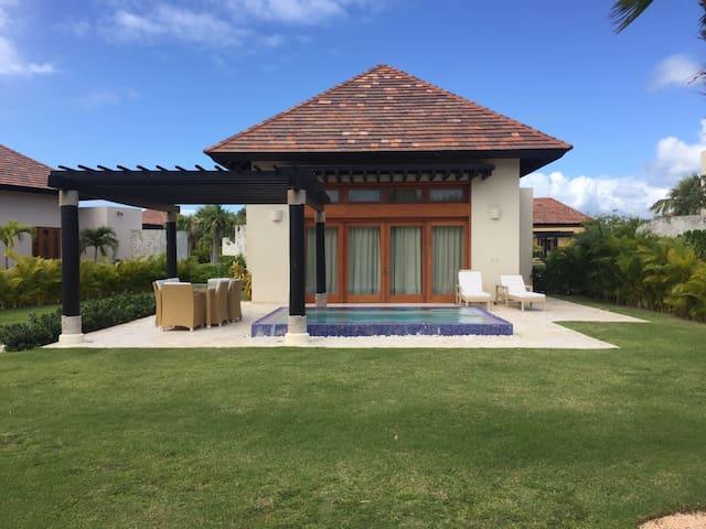 Villa pequeña 202 mts2 con piscina - Cap Cana - Talo