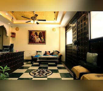 Nahar Singh Haveli(Heritage Hotel) - Bed & Breakfast