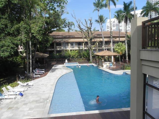 Condomínio Resort frente praia da Enseada/Guarujá - Guarujá - Appartement en résidence