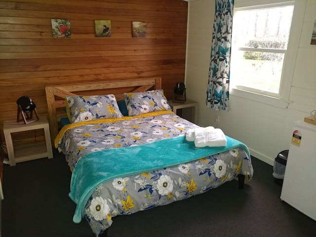 Deluxe Double Cabin at Waiau Motor Camp