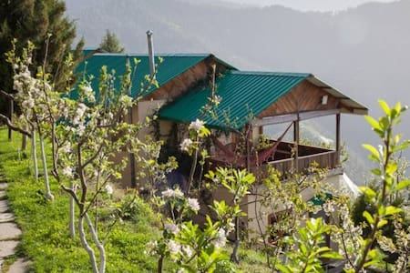 Traditional Himachali Cottage - Seetalvan Orchard