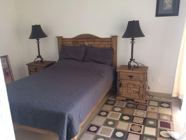 Spacious Private Room - San Miguel de Allende - Casa