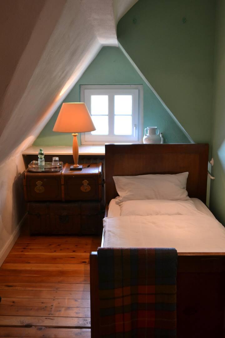 Zimmer in denkmalgeschütztem Ensemble - FU-nah