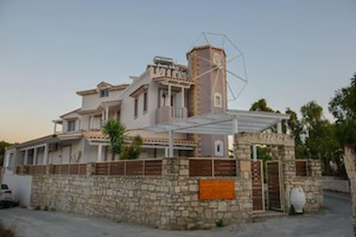 Milos:green apartmnent - Kalamaki - Lägenhet