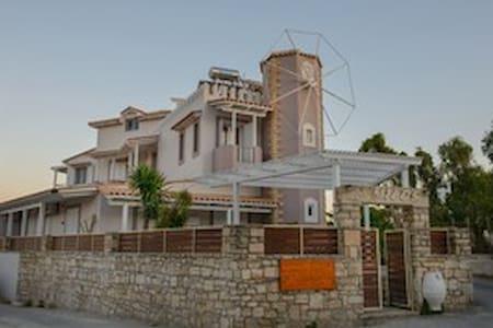 Milos:green apartmnent - Kalamaki - Huoneisto
