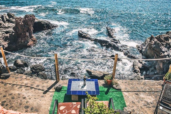 LUMINOSO ESTUDIO junto al mar